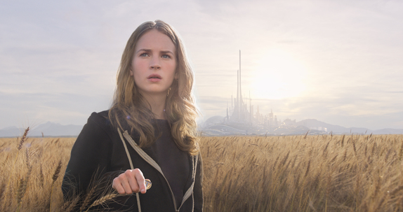 Disney's TOMORROWLAND Casey (Britt Robertson)   ©Disney 2015