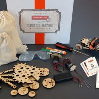 STEM Maker Projects With Tinkering Labs